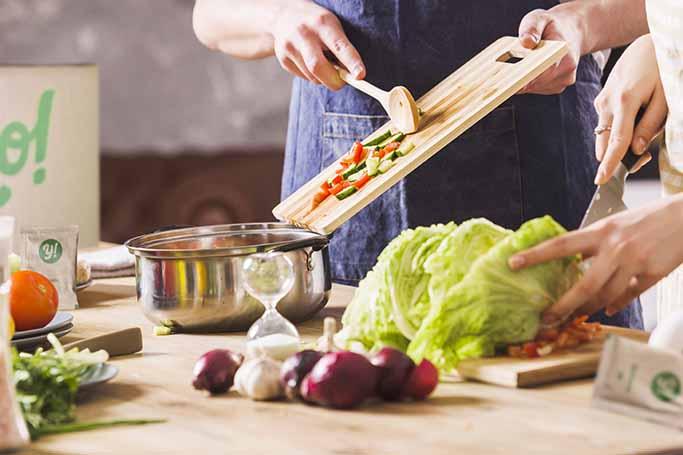 10 razloga zašto je bolje kuhati kod kuće