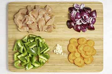 piletinu-nareži-na-kockice