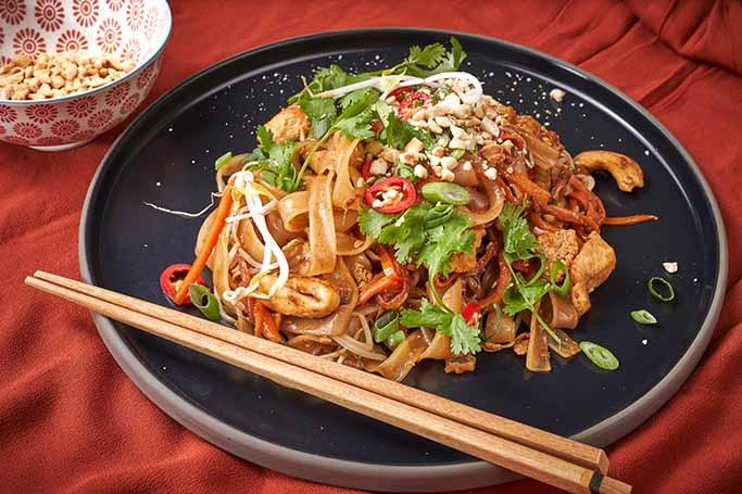 Pad-Thai-s-piletinom
